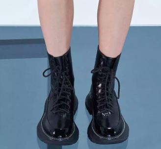 水性马丁靴